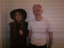 Lady Gaga, Julian Assange