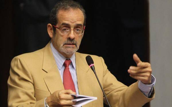 PERFIL: Javier Diez Canseco, el rostro de la izquierda y tenaz luchador por los DD.HH.