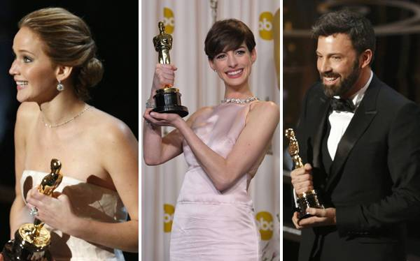 Hathaway y Ben Affleck entre los ganadores de la noche. (Fotos: AP