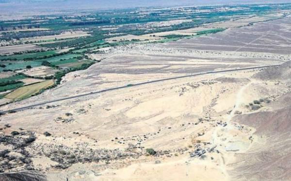 Una empresa de extracción de cal destruye zona arqueológica en Nasca