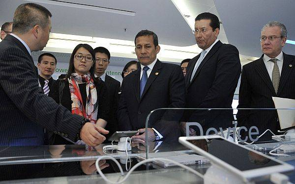 Ollanta Humala concluyó su primer viaje oficial a China centrado en atraer inversión
