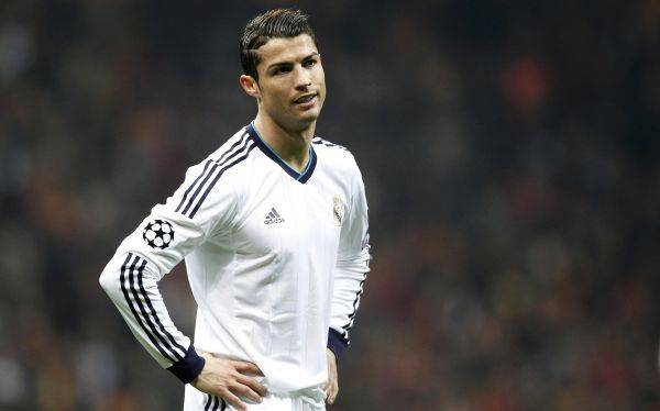 ¿Por qué Real Madrid jugó sin publicidad en su camiseta e