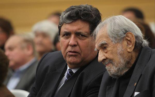 """Alan García: """"Armando Villanueva debe ser ejemplo para los apristas jóvenes"""""""