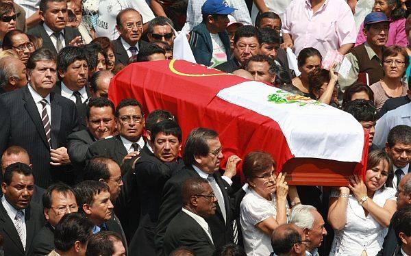 Armando Villanueva del Campo fue enterrado en el cementerio El Ángel