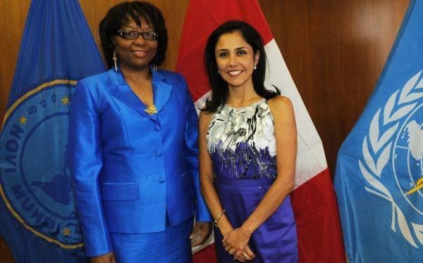 Nadine Heredia se reunió en Washington con la directora de la OPS