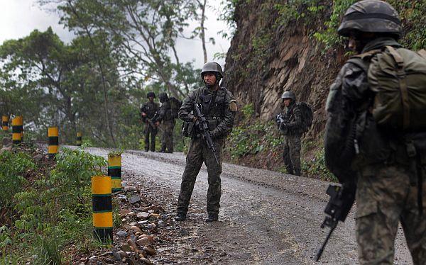 Senderista murió tras activar explosivo que voló antena en Huancavelica