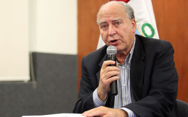 Críticas de Alan García a Petro-Perú buscan tapar 'narcoindultos'