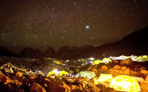 VIDEO: el monte Everest y su belleza en un impresionante 'time lapse'